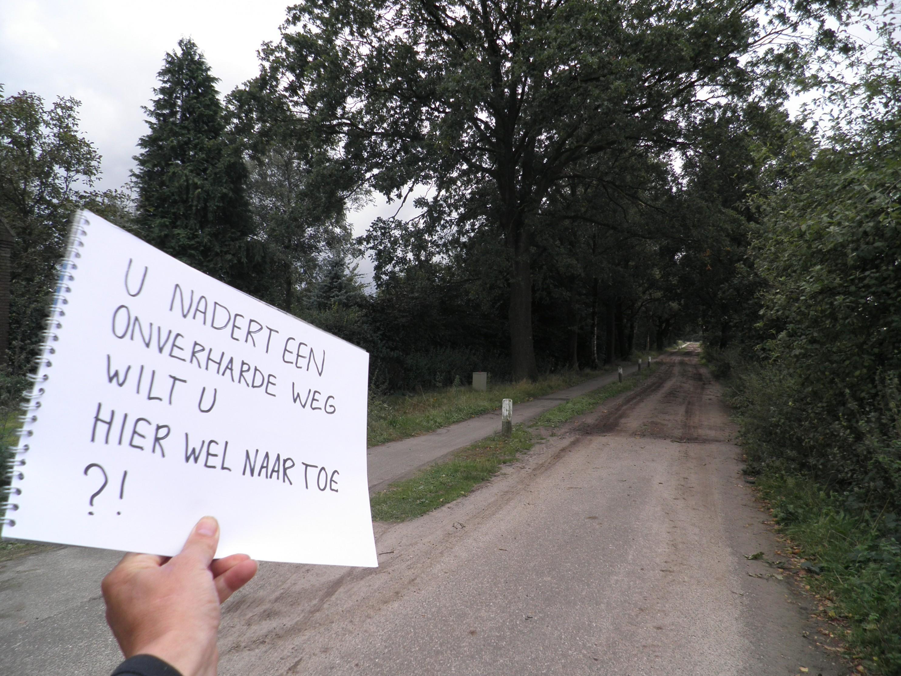 De onverharde weg het einde van de wereld alowieke op pad - Einde van de wereld meubilair ...