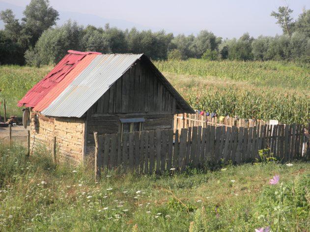 Huis in dorp verderop